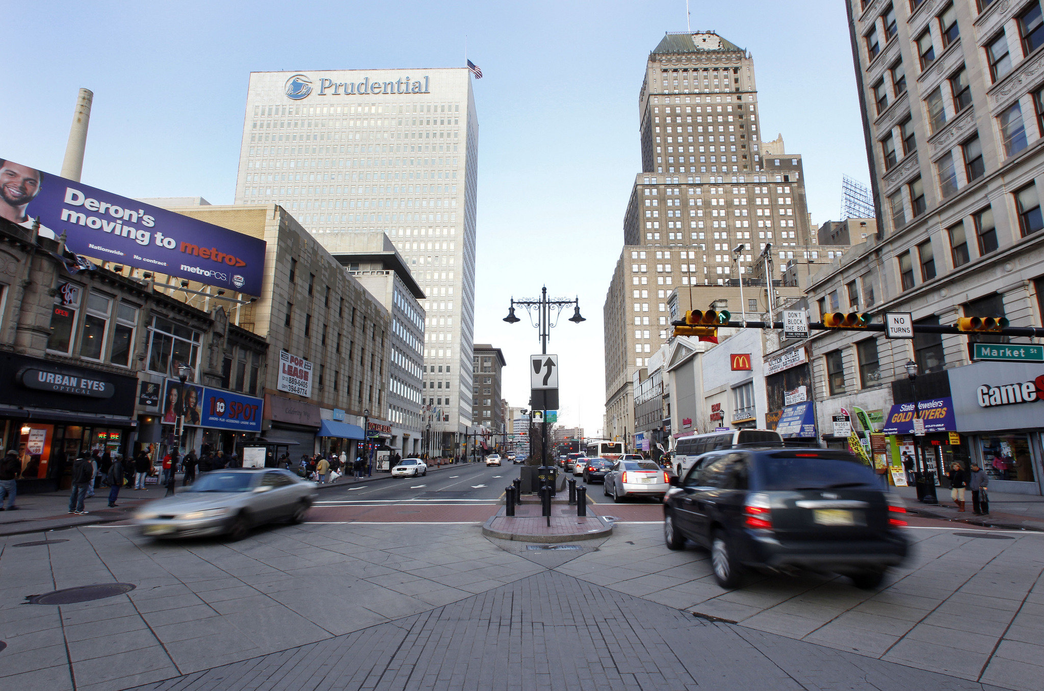 IMage of downtown Newark NJ on Broad and Market ST